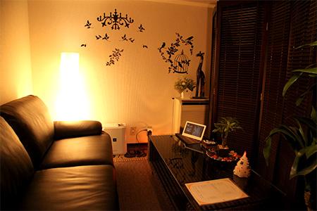 お仕事内容 お洒落なサロンにて完全個室でお仕事して頂きます。